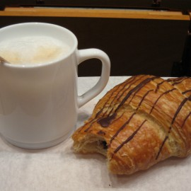 coffee - croissant file000517399336