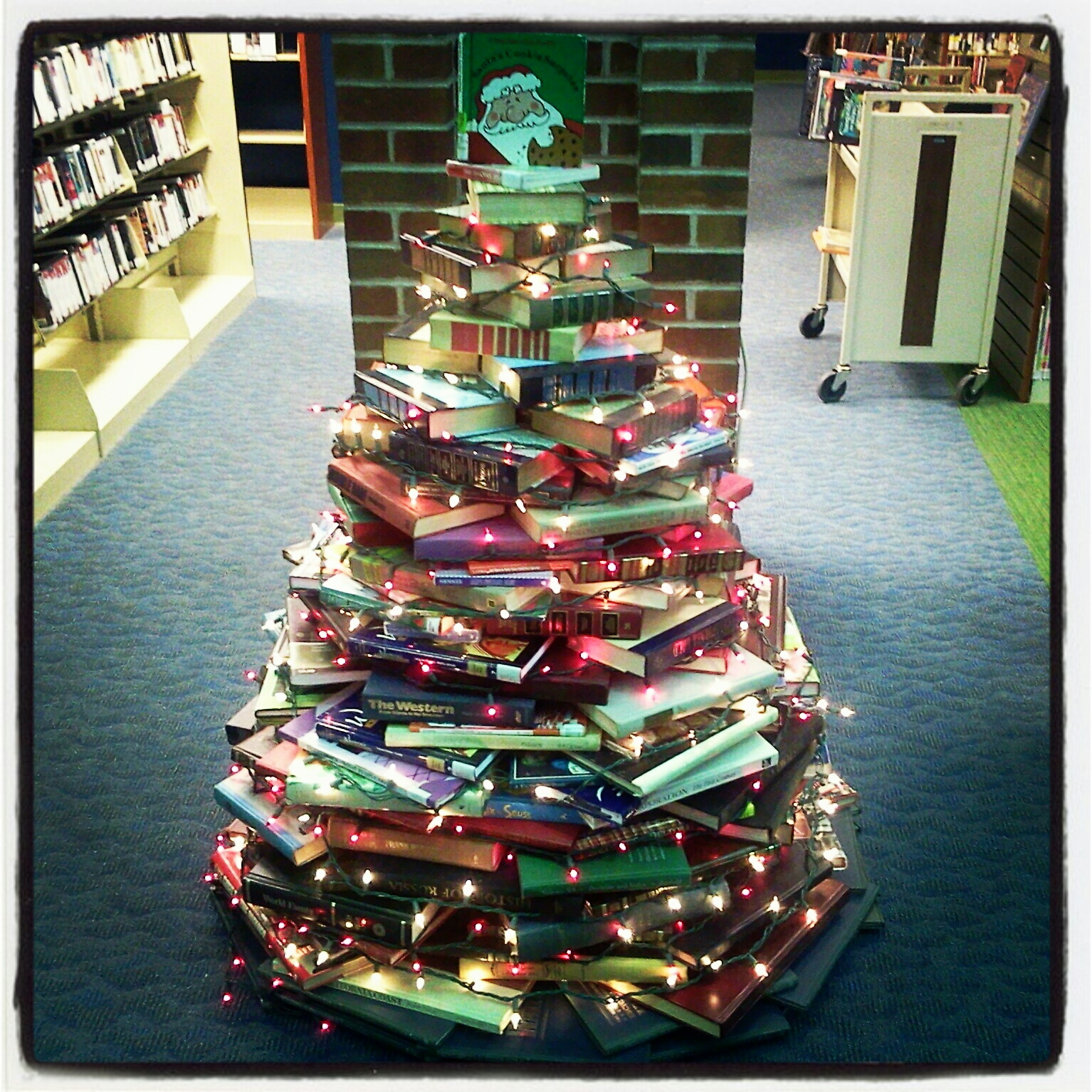 ATG Quirkies: Use Books to Build a Christmas Tree ...