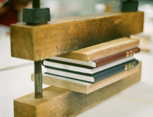 Pressing books