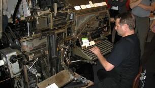 800px-Linotype_Typesetting_Machine