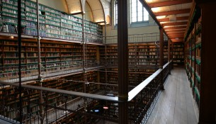 library-705464_1280